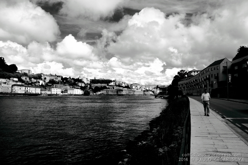 """A walk along the river"" by Paulo César Silva"